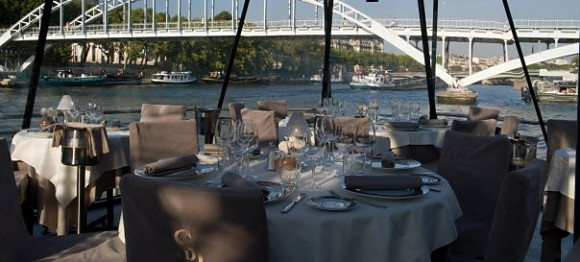 Restaurant bateaux parisiens paris 7 me fran ais - Bateaux parisiens port de la bourdonnais ...
