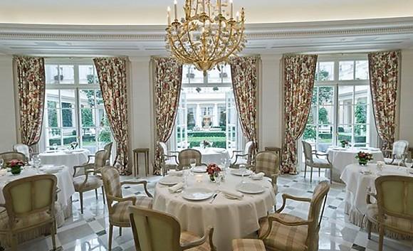 Restaurant epicure h tel le bristol paris paris 8 me for Boutique hotel 8eme