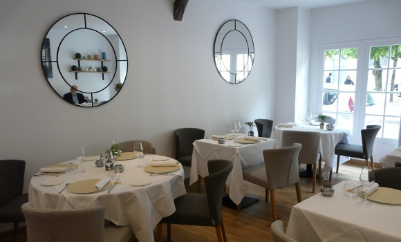 restaurant la table du 11 versailles 78000 me fran ais. Black Bedroom Furniture Sets. Home Design Ideas