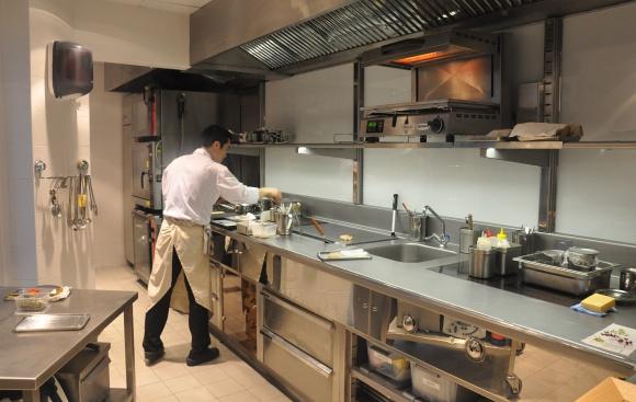 Restaurant cuisine d ete for Petite cuisine restaurant