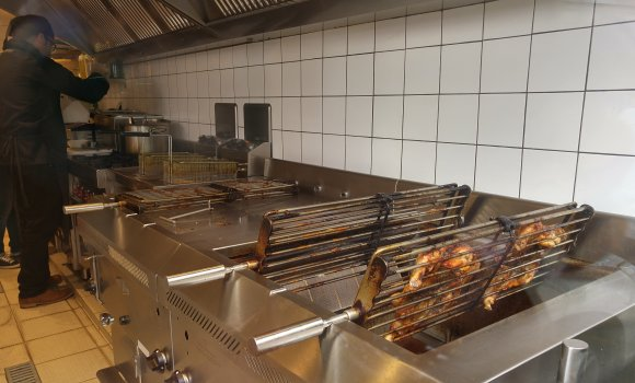 Restaurant nossa churrasqueira paris 5 me portugais for Cuisine ouverte bruit