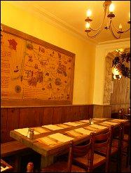 Photo restaurant paris Chez Papa du 18ème - La table d'hôte pour un repas en groupe