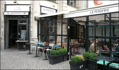restaurant la penderie restaurant paris 1 er restaurant fran ais. Black Bedroom Furniture Sets. Home Design Ideas